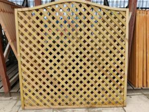 St Meloir Bow Top Lattice 1800 x 1800mm