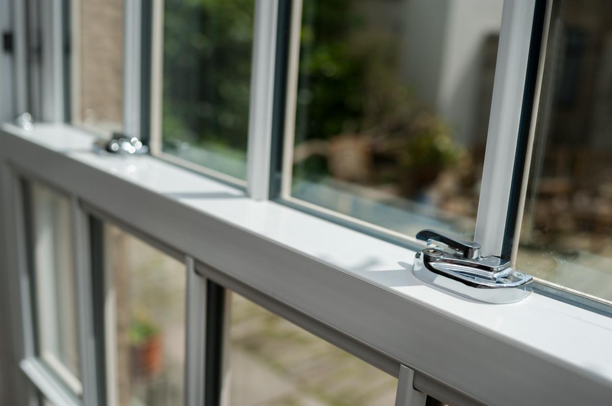 Crystal Vertical Sliding Window