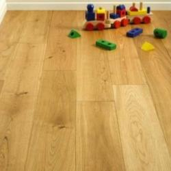 Brushed & Oiled Oak Solid Flooring.